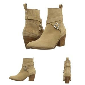 Hunter Refined Strap Suede Boots Size 10.5 Sand